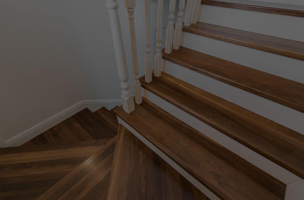 Holztreppen treppen aus polen for 13th floor elegant themes